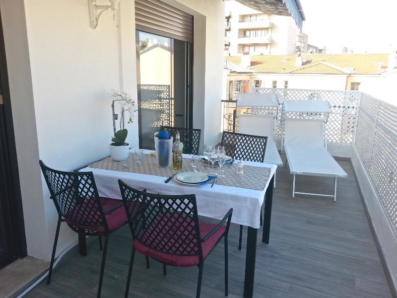 La Terrace - Massenet, Ferienwohnung in Nizza