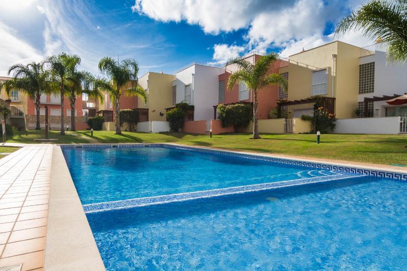 Old village prestige penthouse apartment, holiday rental in Vilamoura