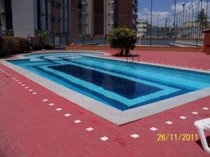 1 swimming pool (adult)