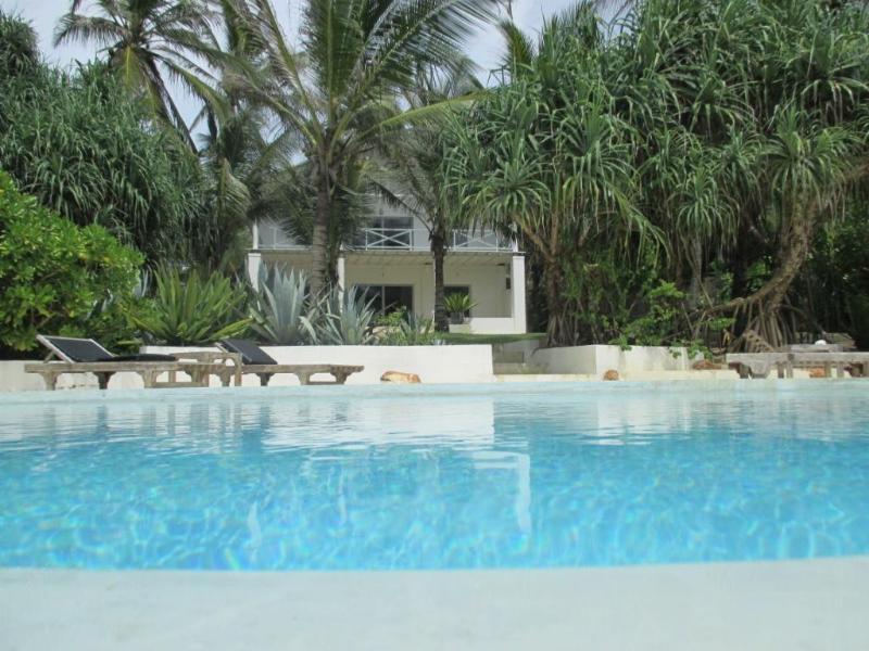 Villa 'ORO' on turtles beach of Rekawa, vakantiewoning in Tangalle