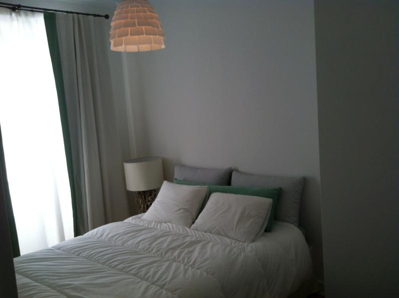 Bedroom with two places bed