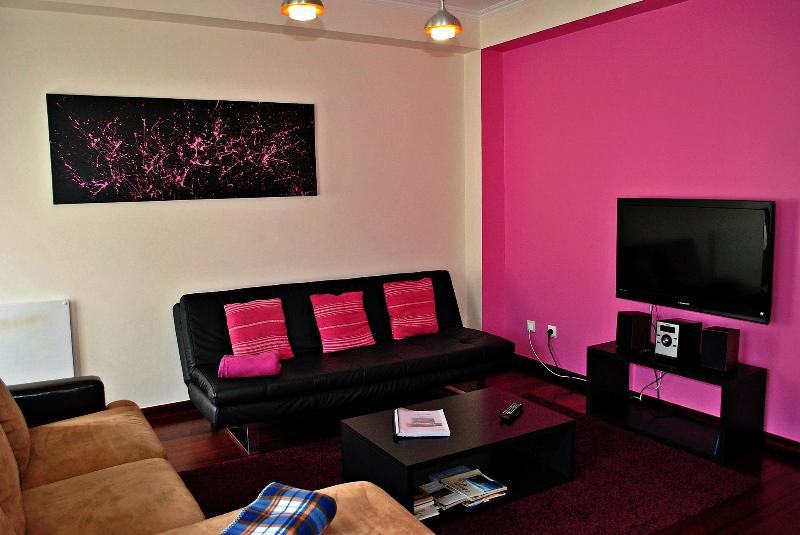 Lounge area with LCD TV 104cm, CD player and heating available