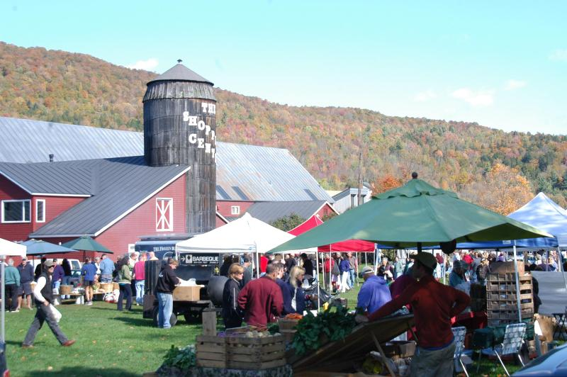 Farmers Market Saturday with live music