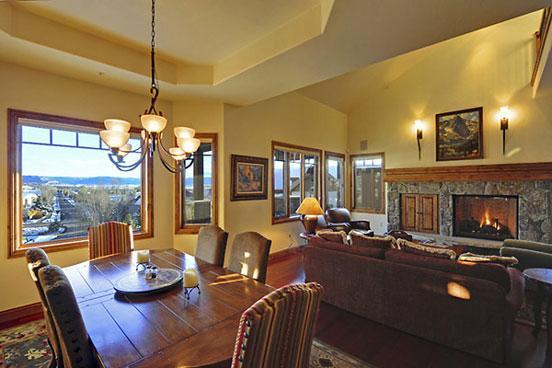 Aspen Crest Dining area
