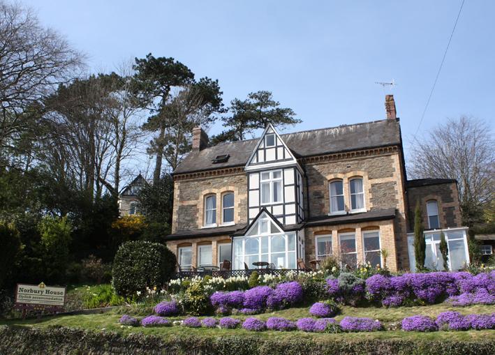 Norbury House befindet sich auf Torrs Park 5 min zu Fuß von den Tunnels-Stränden. Modernes Design und Meerblick.