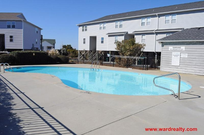Outdoor Community Pool (across S. Shore Dr.)