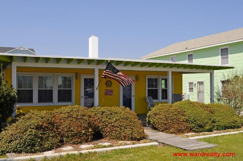Quaint Duplex Across Street From Beach - Old Salt North, location de vacances à Surf City