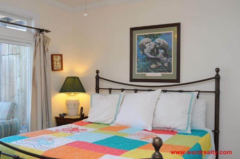 1st Floor South King Bedroom