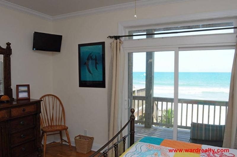 1st Floor South King Bedroom II