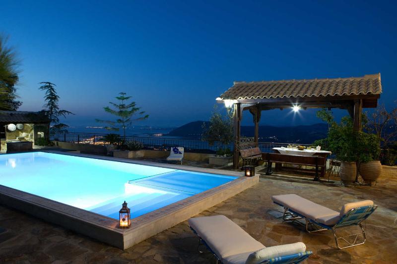 Villa de lujo con vistas al tradicional Senecio breataking sobre Lefkada