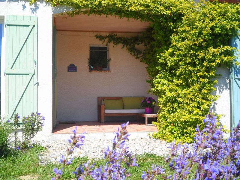Splendid  villa for 6 people near Carcassonne in Cathar Country, location de vacances à Lasserre-de-Prouille