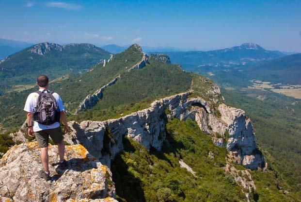 Hiking Cathar castles: Montsegur, Queribus, Peyrepertuse