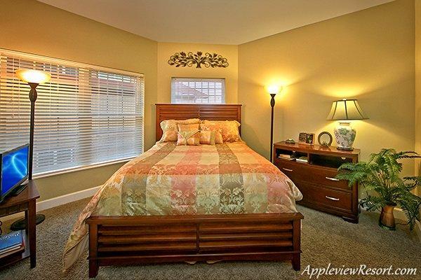 Queen Bed in Bedroom 2