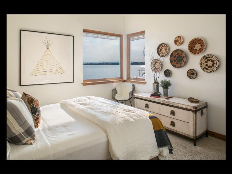 Habitación 2 con cama Queen & ropa orgánica de lujo.
