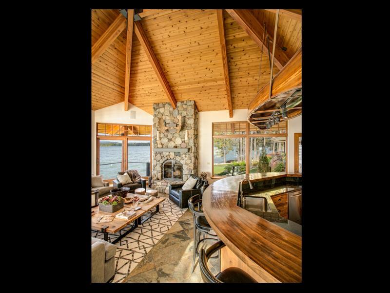 Gran habitación vistas desde el comedor.