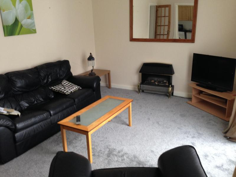 1 bed apt central manchester with secure parking, vacation rental in Ashton-under-Lyne