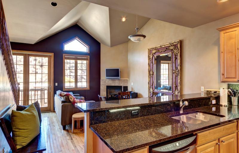 Daining/kitchen/living area