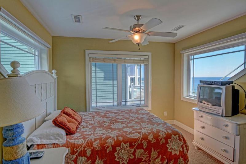 Queen Bedroom (top floor shared hall bath)