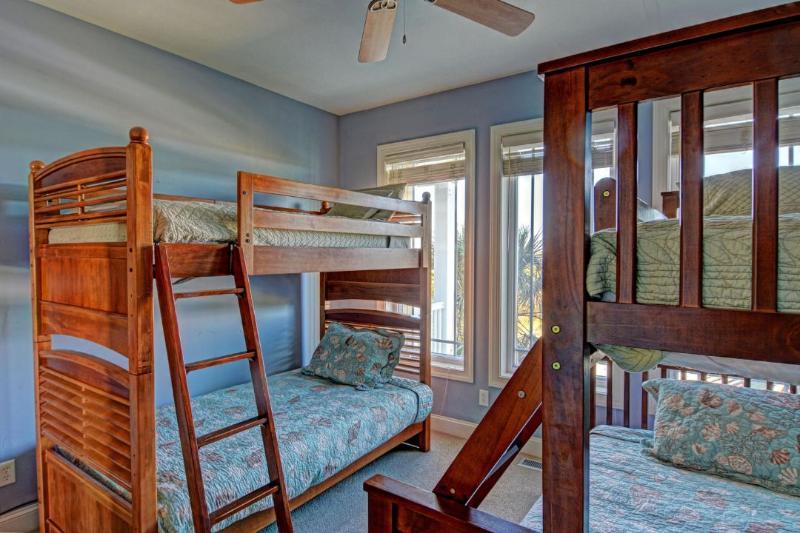 Bunk Room  (1st floor, 2 twins 2 fulls)
