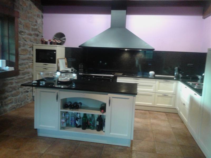 estupenda casa  borda martinea, location de vacances à Saldias