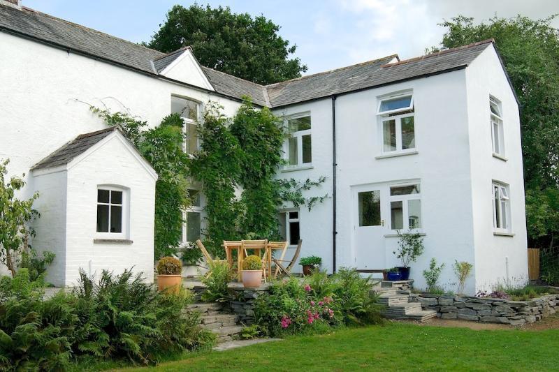 Hartwell (farmhouse in W. Devon with pool), casa vacanza a Chillaton