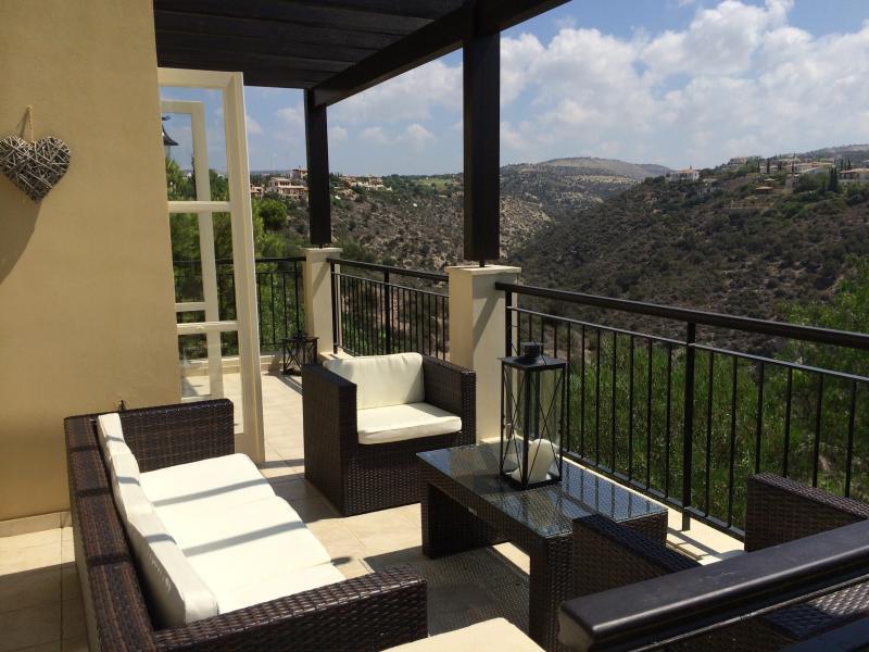 Aphrodite Hills, luxury 3 bed, Adonis Village, alquiler vacacional en Kouklia