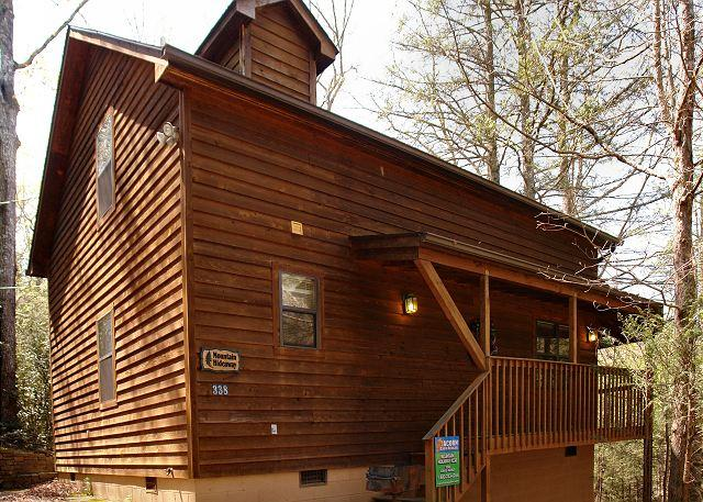 2 Bedroom Mountain Cabin Rental with Hot Tub, Close to Downtown Gatlinburg, location de vacances à Gatlinburg