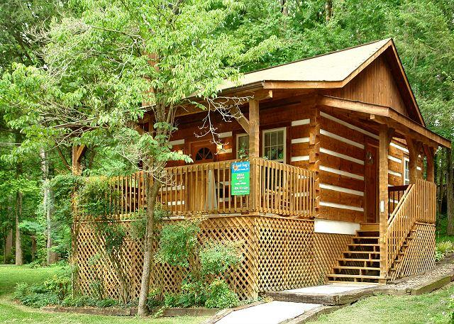 Romantic, Pet-Friendly Gatlinburg Cabin 1 mile to Great Smoky Mountain Park, location de vacances à Gatlinburg