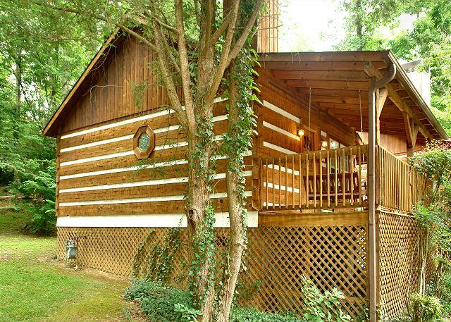 DREAM WEAVER #1527- Outside View of the Cabin