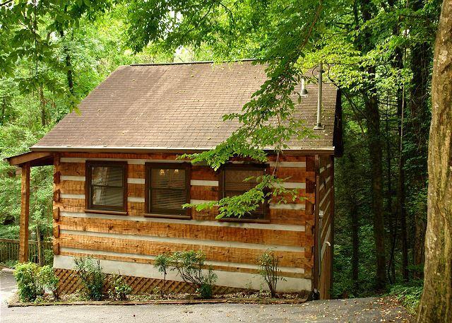 LINGER LONGER # 1607- Buitenaanzicht van de hut