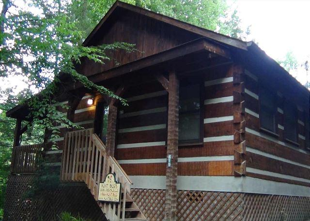 Puppy Love #1619- Outside View of the Cabin