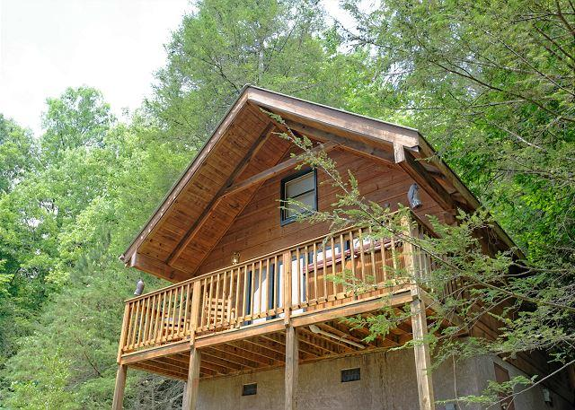Wild Thing #1525- Outside View of the Cabin
