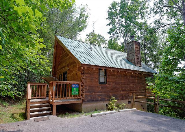 Foxy Lady #1531- Outside View of the Cabin