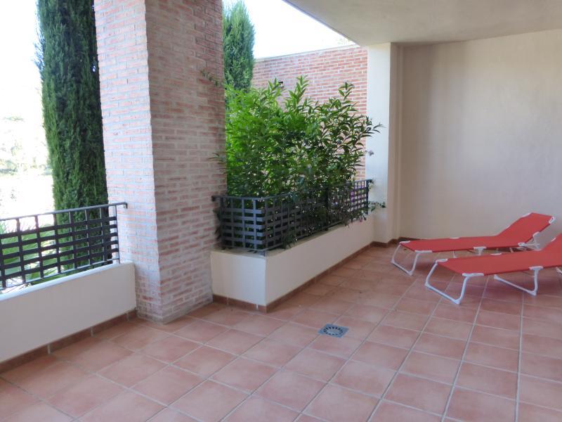 Apt terrace
