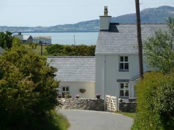Coastal Location Church Bay Anglesey for 12  6 bedrooms, vacation rental in Rhydwyn