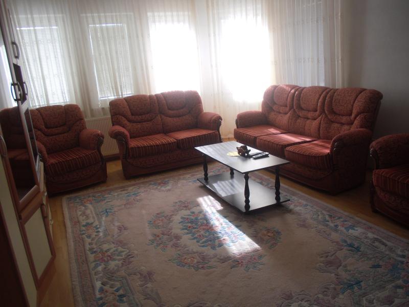 Flat for rent in Prishtina, location de vacances à Pristina