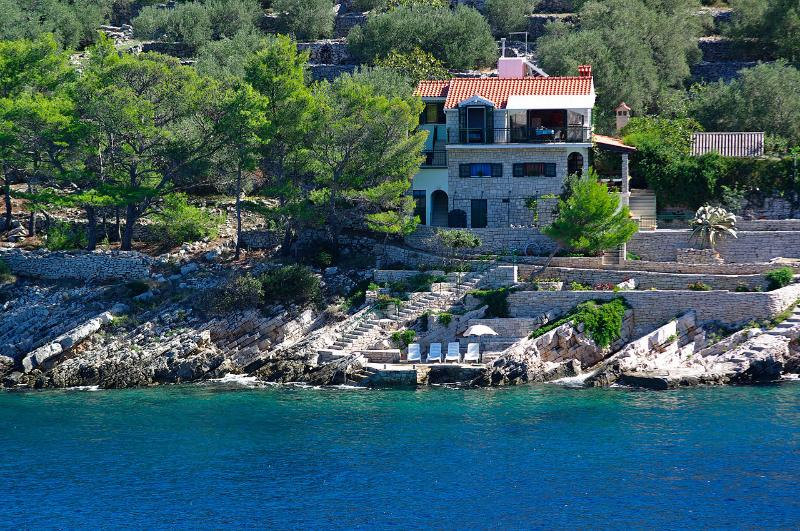 Charming seaside house, vacation rental in Vela Luka