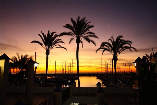 La mattina presto nel porto