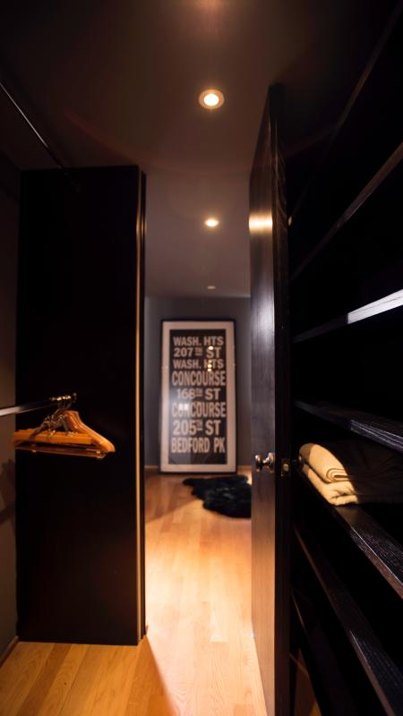 Walk in closet in the master's