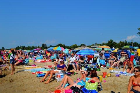 Un día caluroso en la playa