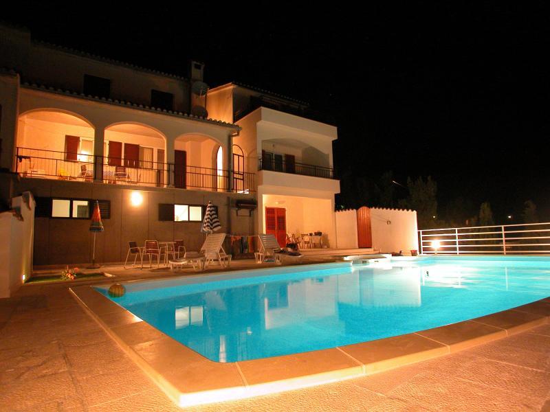 App. Marija- pool and the best view on Adriatic, vacation rental in Seget Vranjica
