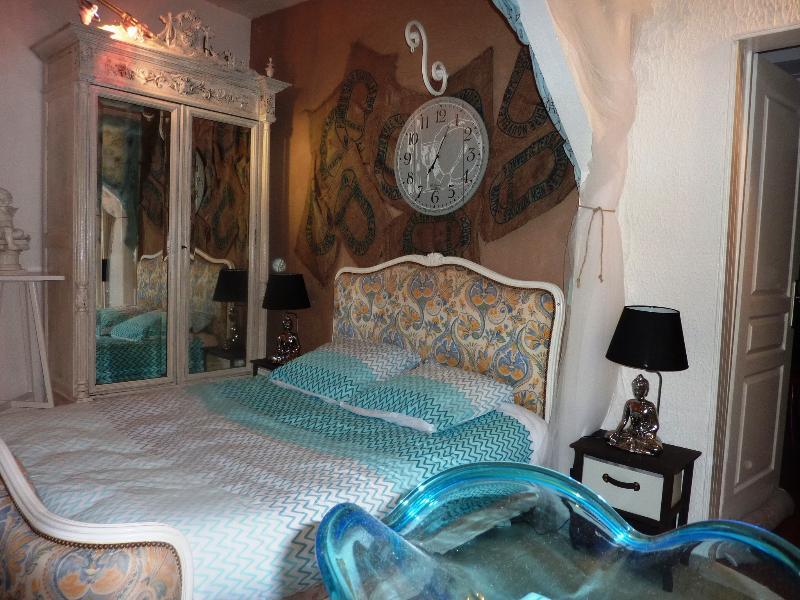 La Suite Romantique, location de vacances à Saint-Jean-de-Crieulon