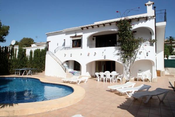 Jonur 10 - holiday home with private swimming pool in Moraira, alquiler vacacional en La Llobella