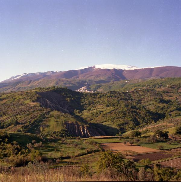 L'Abruzzo è la terra dei parchi d'europa,da qui ad un passo dal Parco Nazionale Majella,che ne dici?