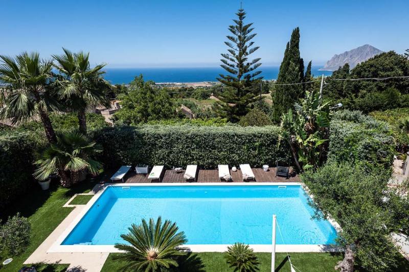 Villa Orange Villa Orange with private pool in Sicily near Trapani for short ter, vacation rental in Trapani