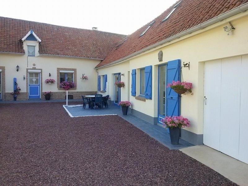 GITE ZEN 'LA CAMPAGNE A LA MER', holiday rental in Bezinghem