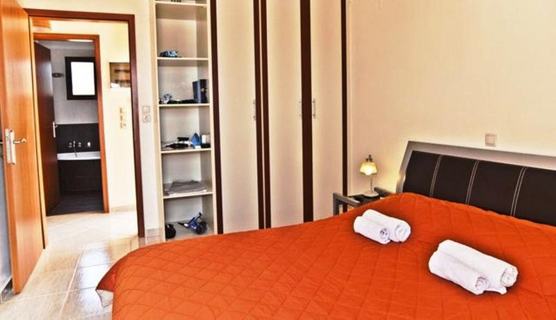 Helidonia Villas, KIMON: first bedroom with sea view