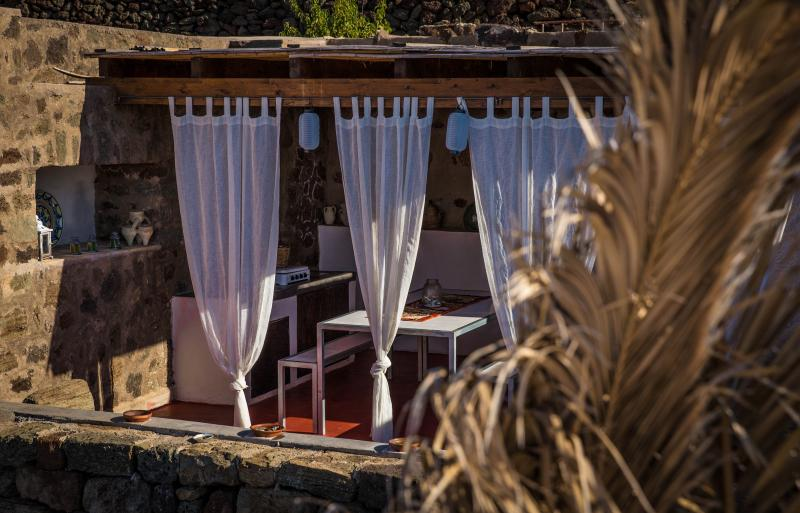 Dammuso dell'Amarena Pantelleria, alquiler de vacaciones en Pantelleria
