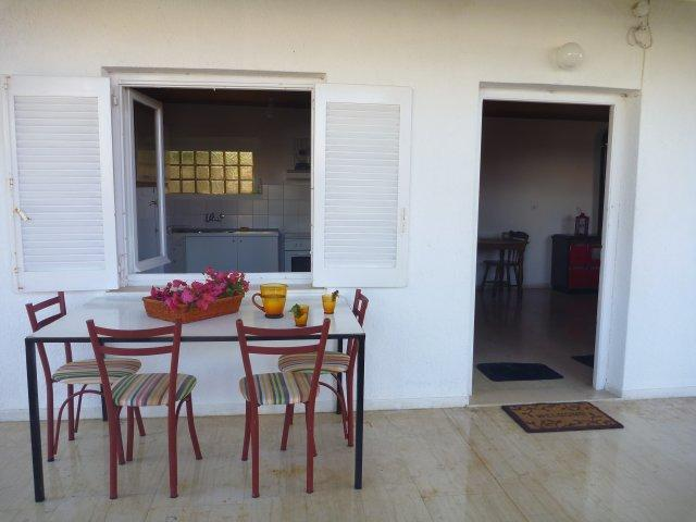 Cozy pirate cove 50 m. from the sea, holiday rental in Egira