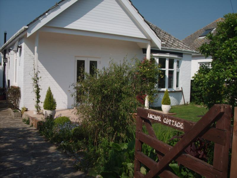 Anchor Cottage, character cottage with easy access to hill and country walks, beach.